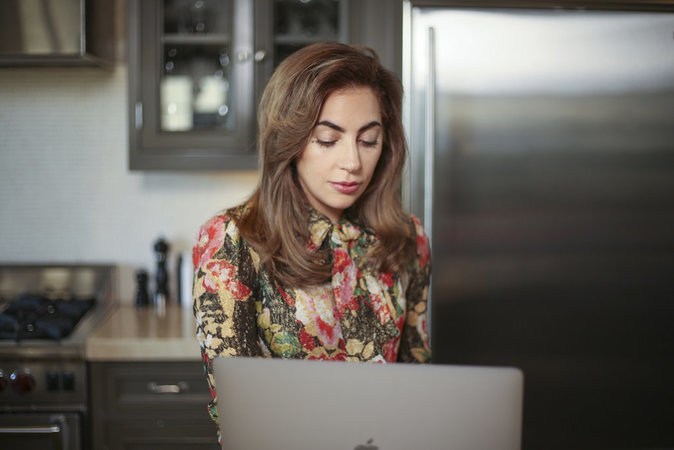Lady Gaga : entre Coachella et son premier film, elle FaceTime avec le Prince William !