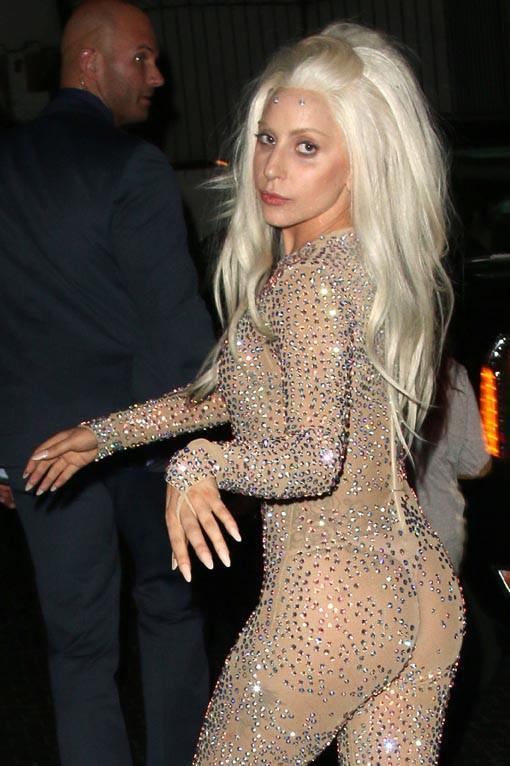 Lady Gaga de sortie au Château Marmont à Los Angeles le 24 novembre 2013