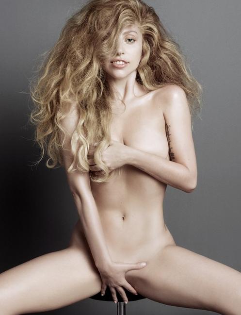 Lady Gaga pose entièrement nue !