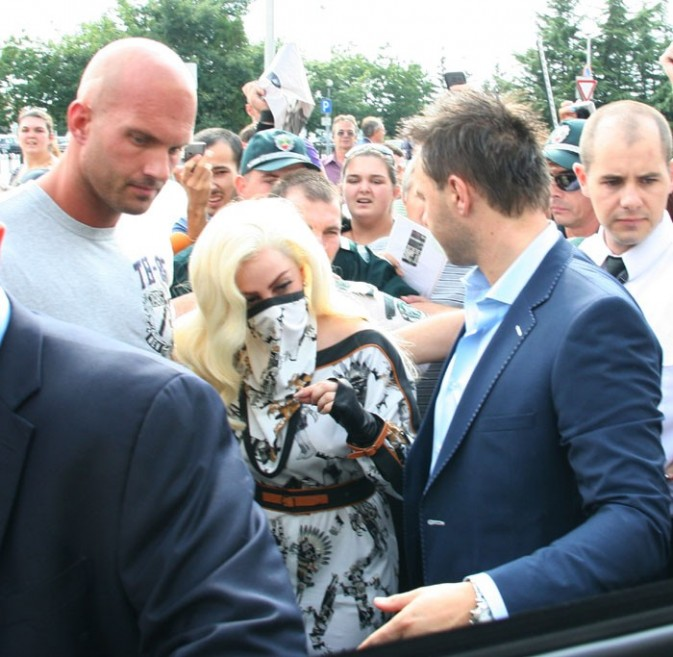 Lady Gaga à son arrivée à Sofia, en Bulgarie, le 11 août 2012