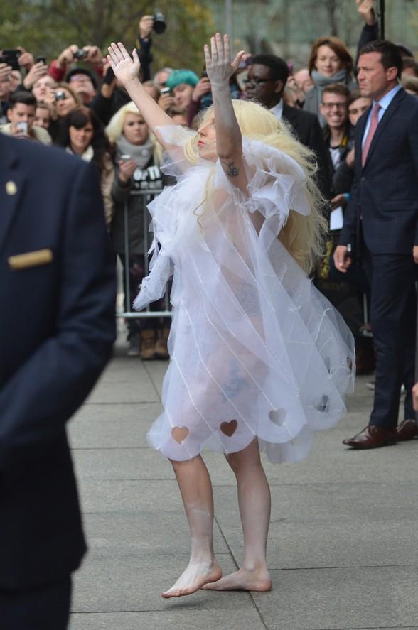Lady Gaga à Berlin le 25 octobre 2013