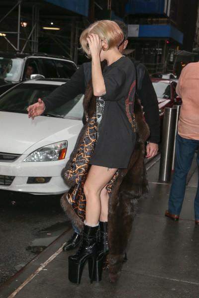 Lady Gaga de sortie à New York, le 22 décembre 2013.