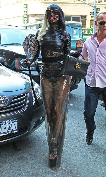 Un revival de sa célèbre tenue en latex ?