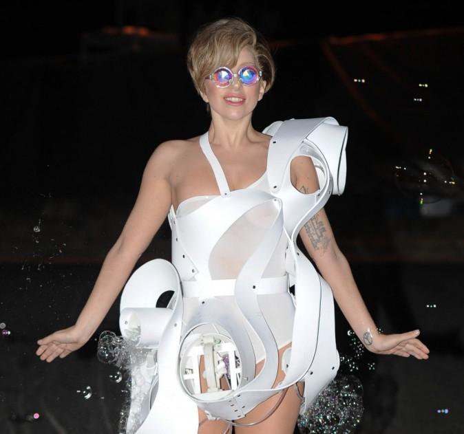 Lady Gaga extravagante à Londres, le 1er septembre 2013.