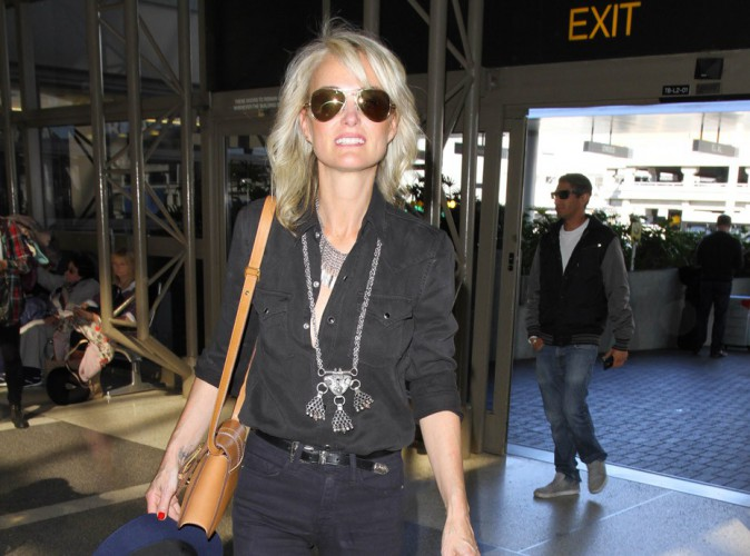 Photos : Laeticia Hallyday : toujours bombesque, même en avion !