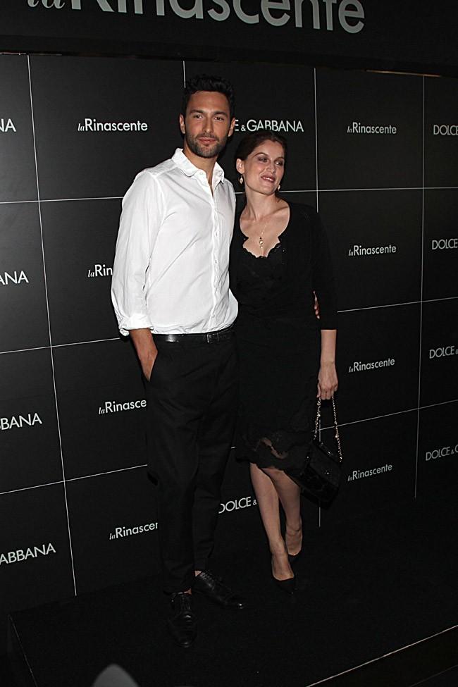 Laetitia Casta et Noah Mills à Milan le 23 septembre 2012