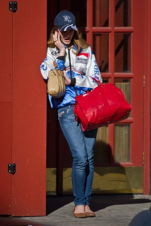 Lana Del Rey hier à la sortie de chez elle !