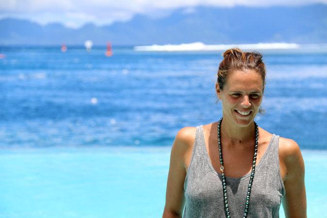 Laure Manaudou à Tahiti le 28 octobre 2015