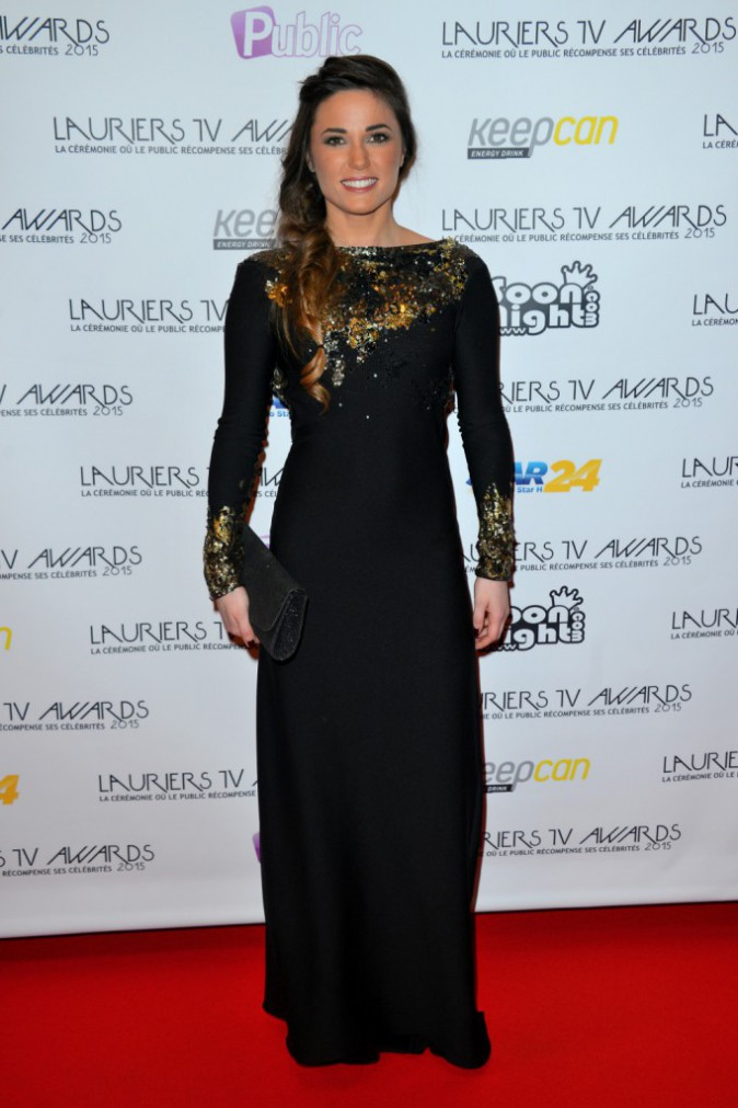 Photos : Lauriers TV Awards 2015 : Capucine Anav : reporter de choc pour Public, sublime en robe dos-nu !