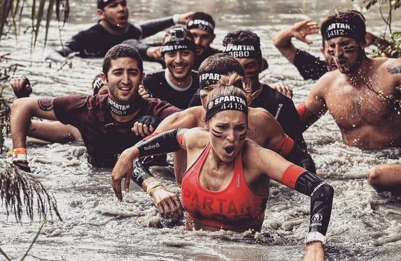 Laury Thilleman à la Spartan Race Paris le 19 septembre 2015