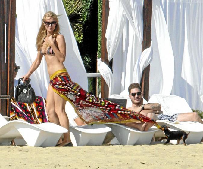 Paris Hilton : son chien tire sur la corde !