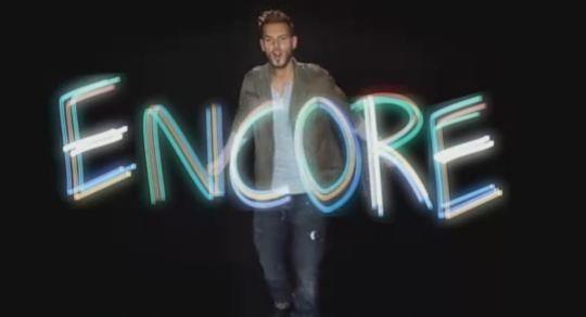 Matt Pokora dans le nouveau clip des Enfoirés