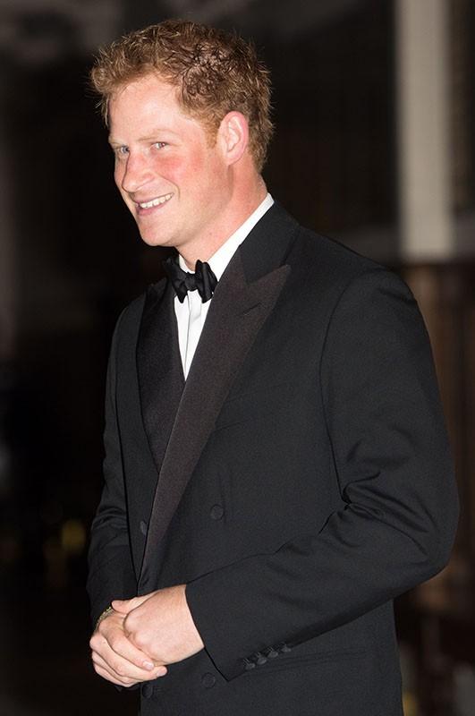 Le Prince Harry : élégance et humour pour faire honneur aux femmes !