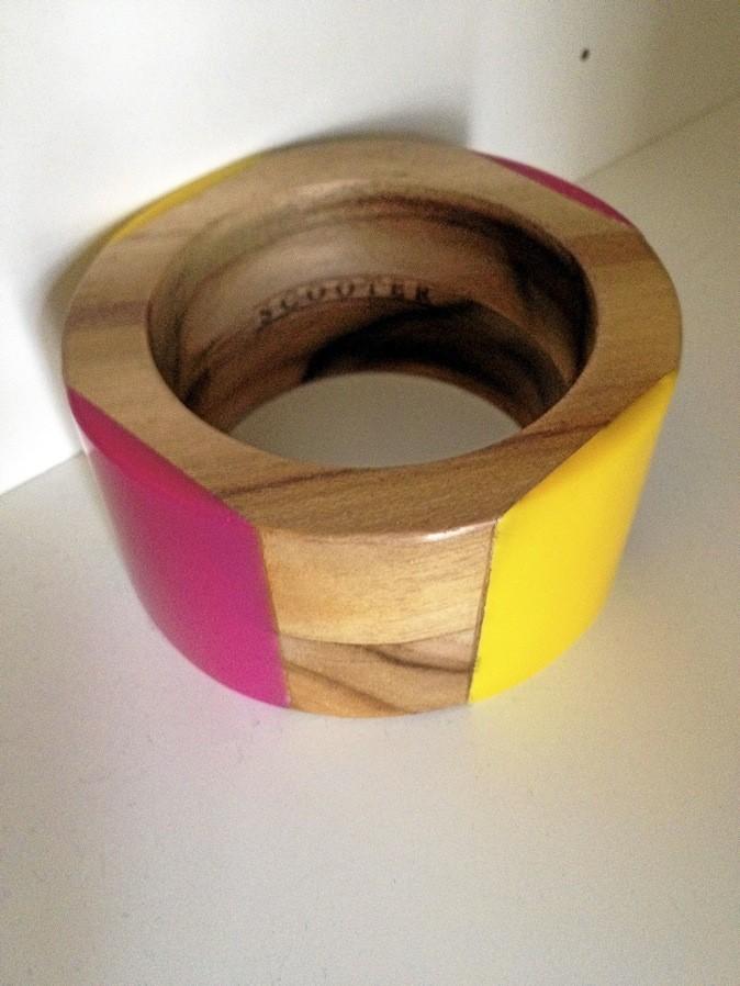 Bracelet jaune et rose en bois, Scooter 95,99 €