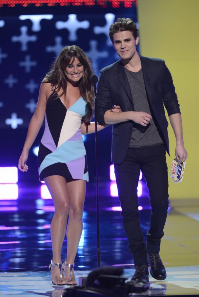 Lea Michele : elle dégaine son plus beau sourire et la micro robe pour les Teen Choice Awards 2014 !