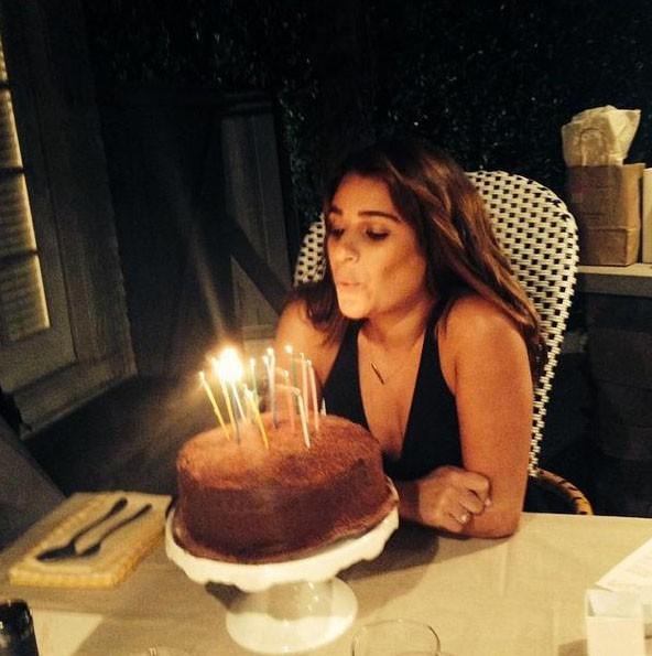 Un bon gros gâteau et des bougies !