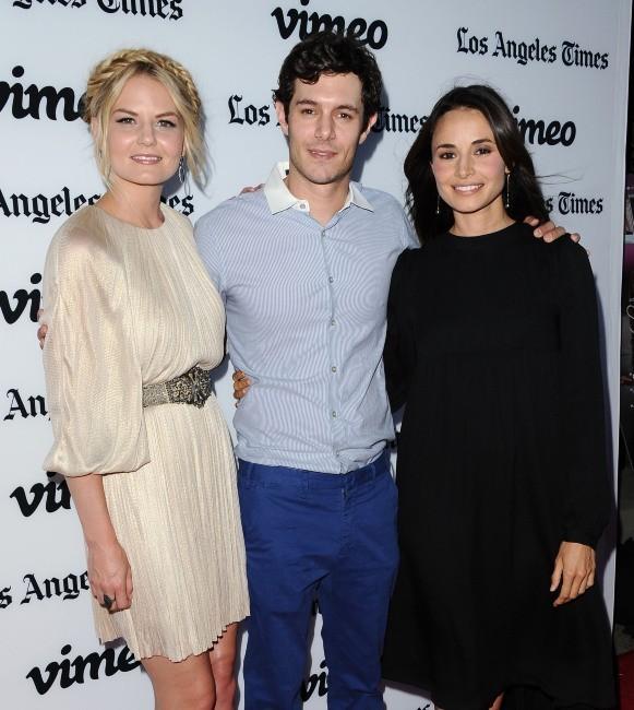 """Jennifer Morrison, Adam Brody et Mia Maestro lors de la première du film """"Some Girl(s)"""" à Los Angeles, le 26 juin 2013."""