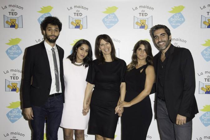 """Leïla Bekhti, Tony Saint-Laurent, Géraldine Nakache et Ary Abittan au gala de charité organisé par """"Sur les bancs de l'école"""" à Paris le 13 oc..."""