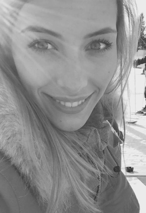 """Camille Cerf (Miss France 2015) : """"Joyeux Noël à tous !!"""""""