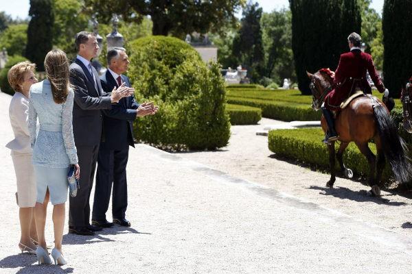 Letizia Ortiz, sublime lors de son déplacement au Portugal, le 7 juillet 2014