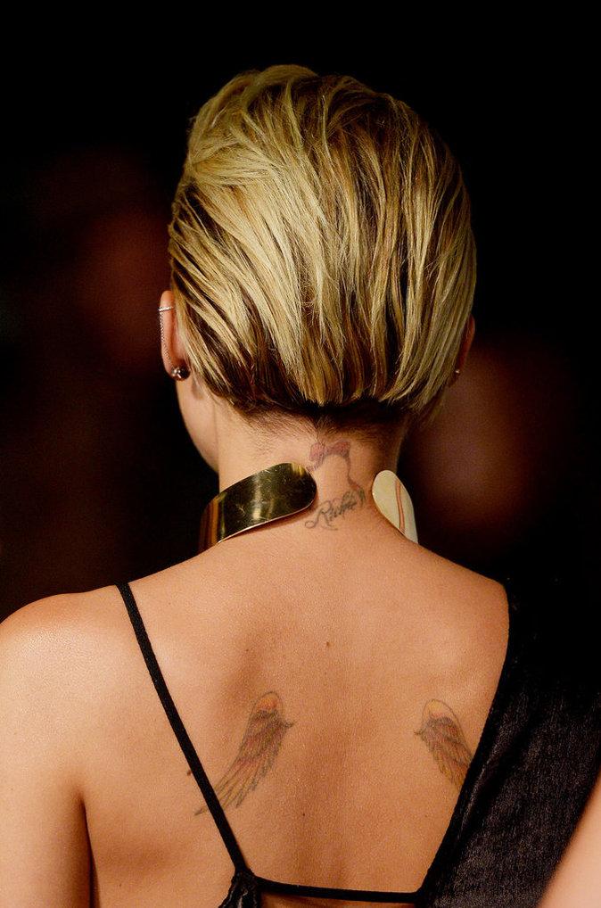 Les ailes dans le dos de Miley Cyrus