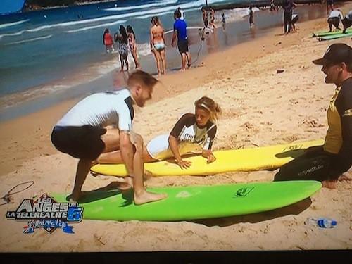 Nelly et Julien partent surfer et en profitent pour régler leurs comptes