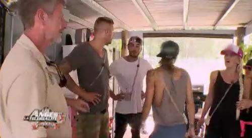 Dans la maison de Dean, ouverte aux animaux de la jungle !