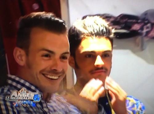 Instant moustache...