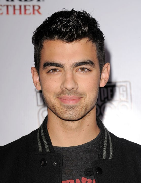 Joe Jonas lors du Peapod Benefit Concert au Music Box à Hollywood, le 10 février 2011.