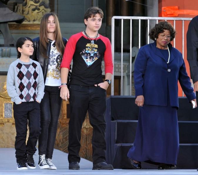 Prince, Paris, Blanket Jackson et leur grand-mère