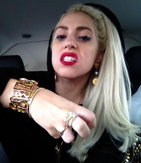Lady Gaga a pris une drôle de résolution : ne pas avoir peur de prendre des coups dans les dents !