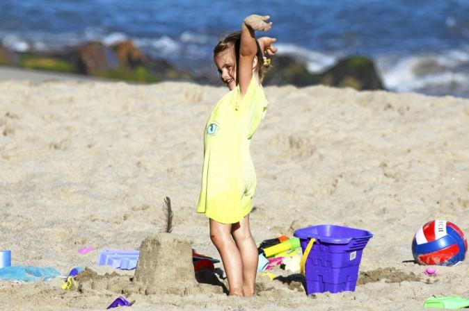 Anja, fille d'Alessandra Ambrosio : déjà très m'as-tu-vu !