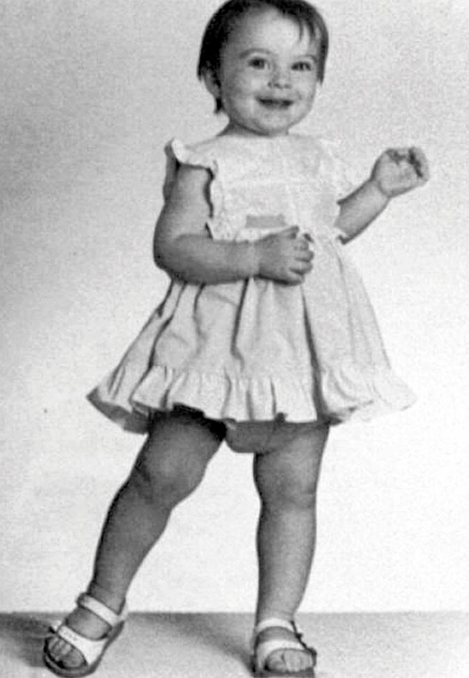 Photos star bébé : une jolie robe qui tourne pour aller en rehab ?