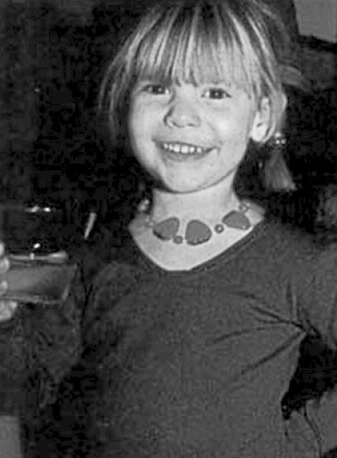 Photos star enfant : une jolie frange blonde pour une future actrice...