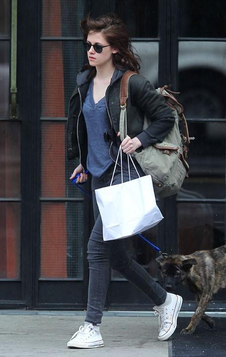 Kristen Stewart n'aime pas les chiens riquiquis!