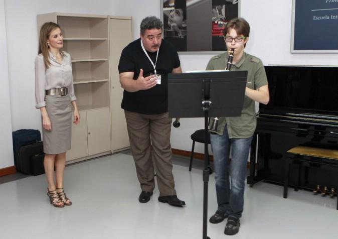 Letizia d'Espagne en visite au conservatoire d'Oviedo, le vendredi 18 juillet 2014