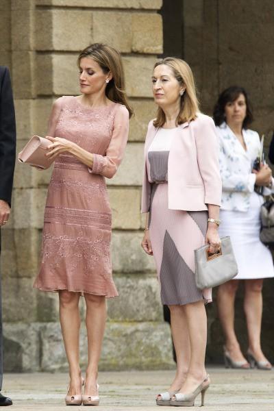 Letizia et Felipe VI lors de leur venue à la cathédrale Saint-Jacques de Compostelle, le 25 juillet 2014