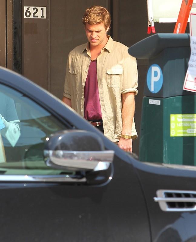Liam Hemsworth sur le tournage de son dernier film, Empire State