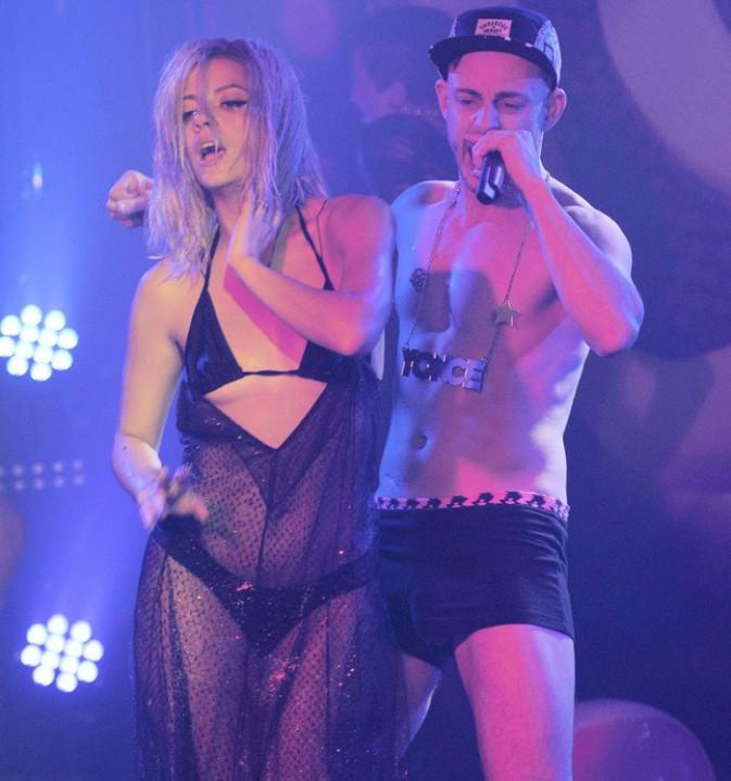 Lily Allen se moque de Beyoncé lors de son concert organisé au G-A-Y club de Londres le 26 avril 2014