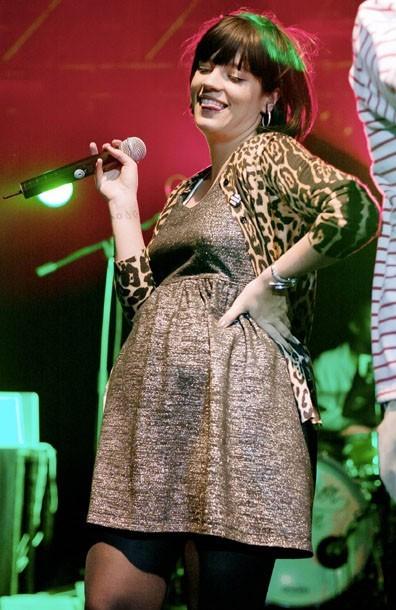 Photos lily allen f te ses 26 ans aujourd hui retour - Fausse couche 8 semaines de grossesse ...