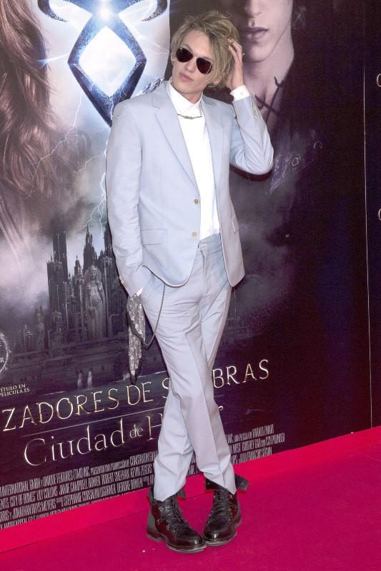 """Jamie Campbell Bower lors de la première du film """"The Mortal Instruments : La Cité des ténèbres"""" à Madrid, le 22 août 2013."""