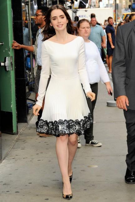 Lily Collins se rend sur le plateau de Good Morning America à New York, le 7 août 2013.