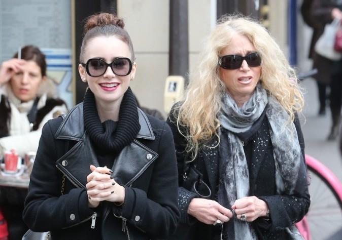 Lily Collins et sa mère dans les rues de Paris le 6 mars 2013