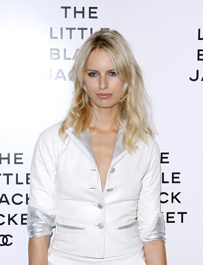 Karolina Kurkova fait rocker son blazer