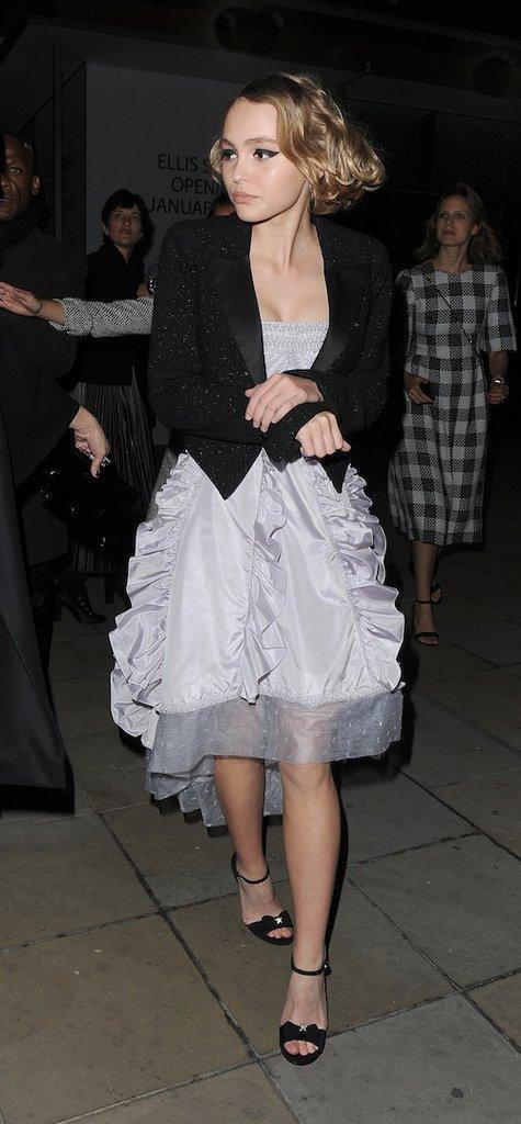 Photos : Lily-Rose Depp vole une fois de plus la vedette à Vanessa Paradis !