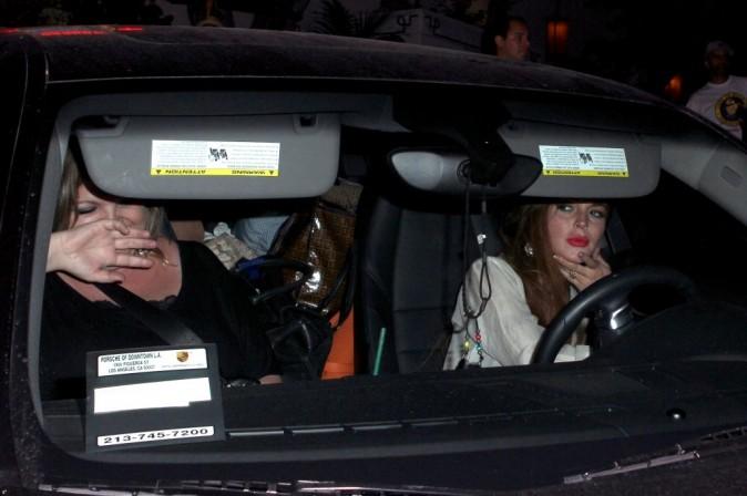 Lindsay Lohan à la sortie du Chateau Marmont, Los Angeles, le 21 juillet 2012