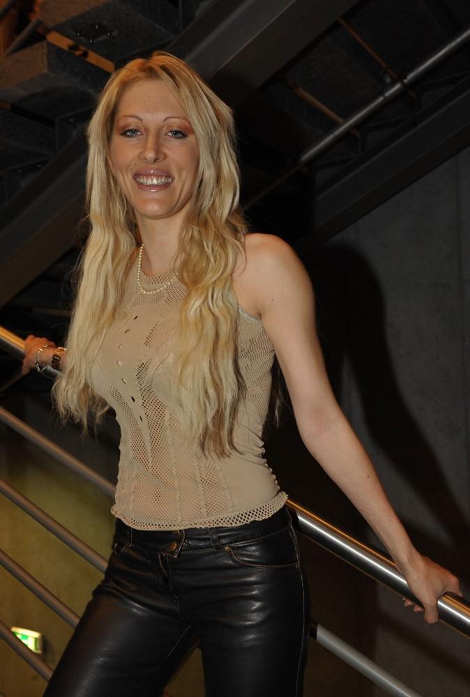 Photos : Loana en 2006 au Salon du chocolat