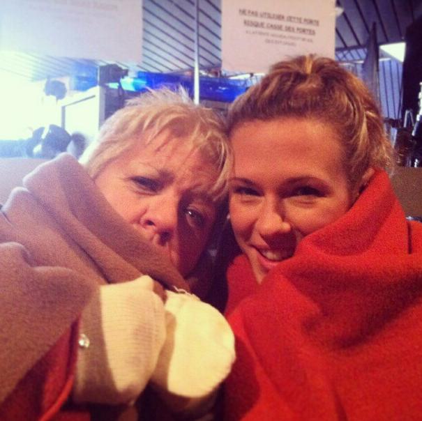 Photos : Lorie : en tournage avec Mimie Mathy pour Joséphine ange gardien !