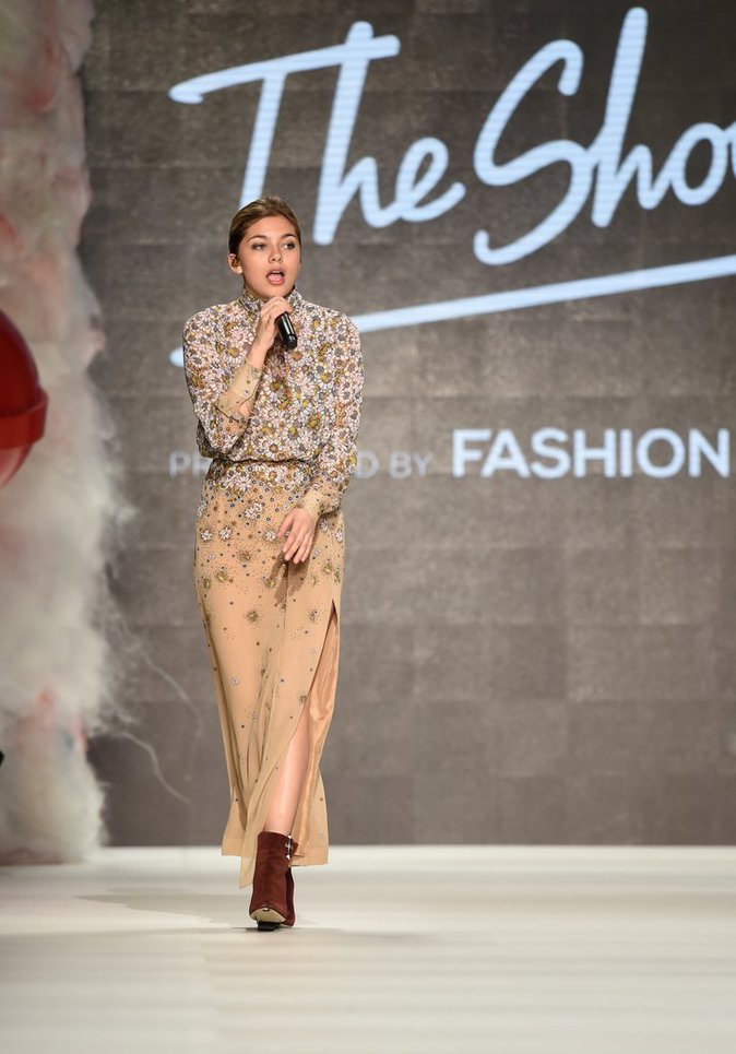 Photos : Louane : Radieuse, elle fait le show à la Fashion Week de Berlin !