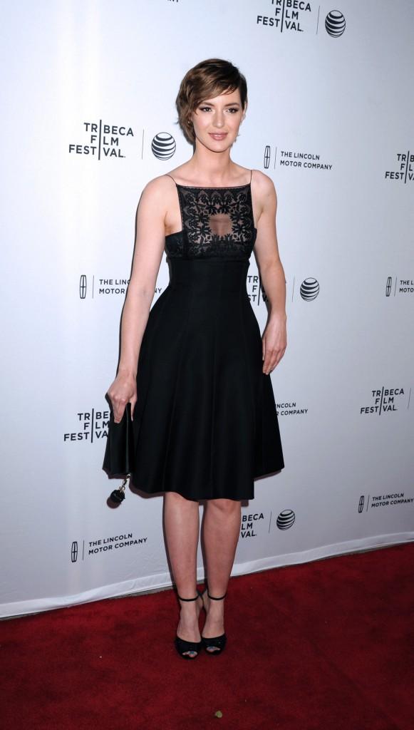 """Photos : Louise Bourgoin : une frenchie glamour pour l'avant-première du film """"Mojave"""" !"""